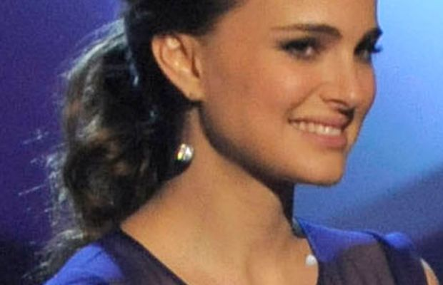 Natalie-Portman-Peoples-Choice-Awards-Jan-2011