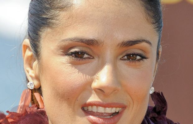 Salma-Hayek-Puss-in-Boots-Photocall-Cannes-2011