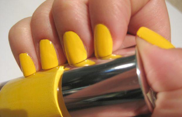Clinique Sensitive Nail Polish - 70 Degrees and Sunny