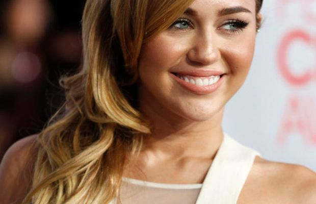 Miley Cyrus - People's Choice Awards 2012