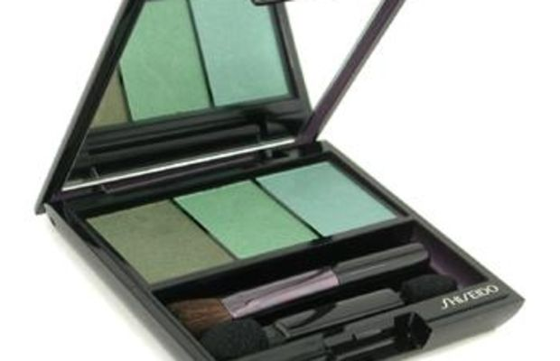 Shiseido Luminizing Satin Eye Color Trio in Jungle