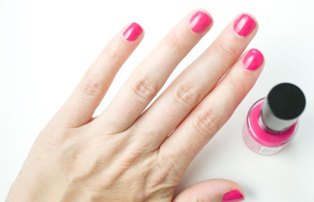 Rimmel 60 Seconds Rita Oral Nail Polish in Don't Be Shy (on nails)