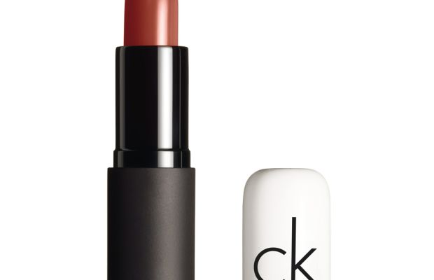 CK One Color Pure Color Lipstick in 810 Smooch