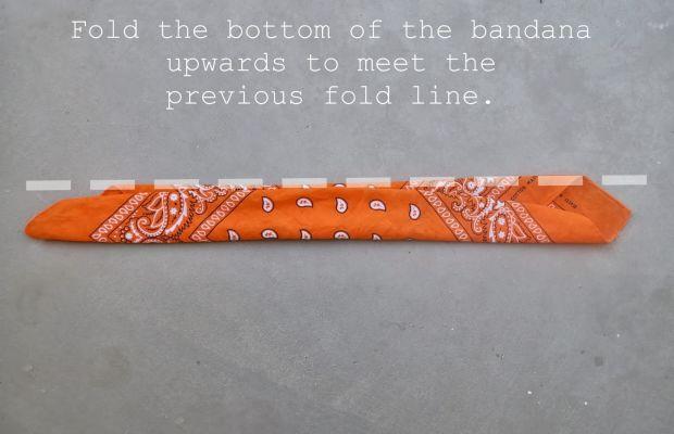 How to fold a bandana (4)