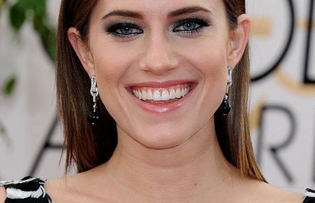 Allison Williams long straight hairstyle