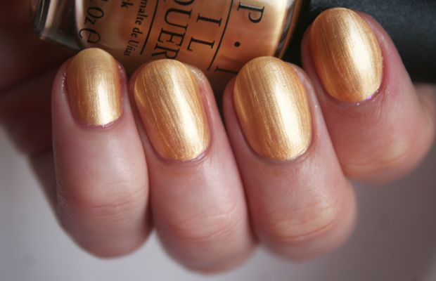 OPI Holiday 2014 - Rollin in Cashmere