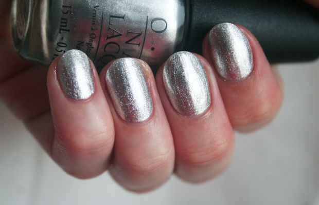 OPI Holiday 2014 - Unfrost My Heart