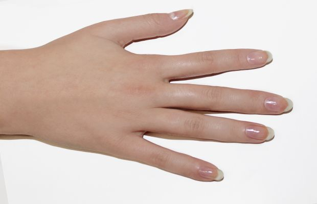 Leaf nail art tutorial - step 1