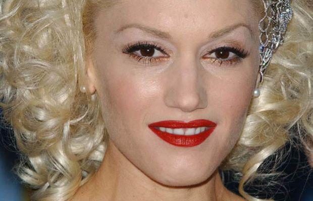 Gwen Stefani, Billboard Music Awards 2004