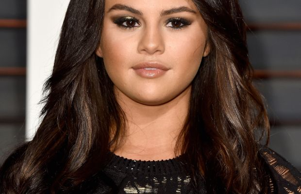 Selena Gomez, Vanity Fair Oscar party, 2015
