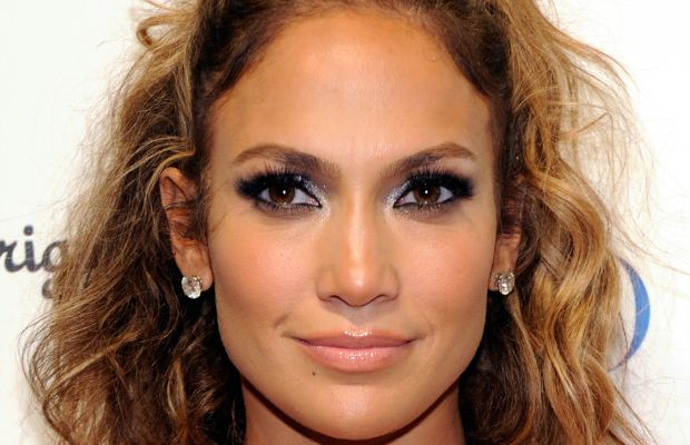 Jennifer Lopez long curly hair