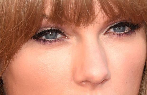 Taylor Swift, iHeartRadio Music Awards 2015