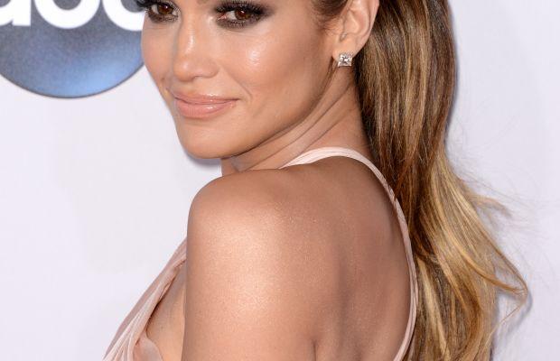 Jennifer Lopez, American Music Awards 2014
