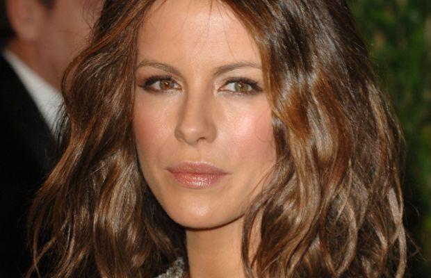 Kate-Beckinsale-Vanity-Fair-Oscar-party