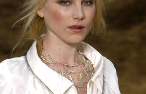chanel_spring2010beauty