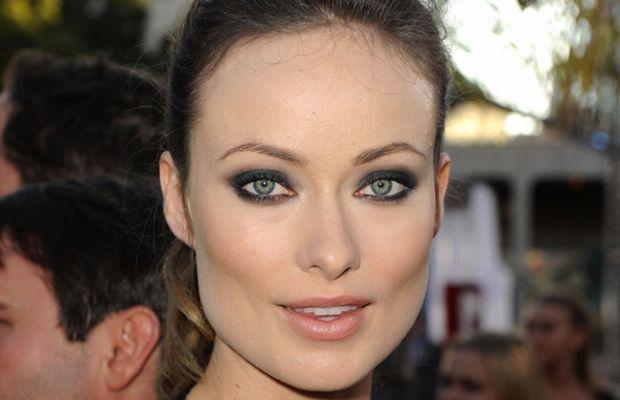 Olivia-Wilde-Cowboys-and-Aliens-premiere-smoky-eyes
