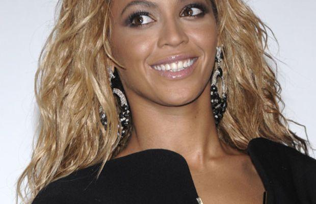 Beyonce-Billboard-Music-Awards-2011