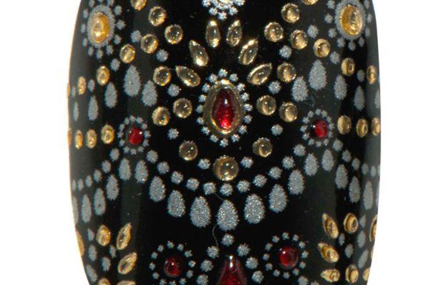 Revlon by Marchesa 3D Jewel Appliques in Jewelled Noir