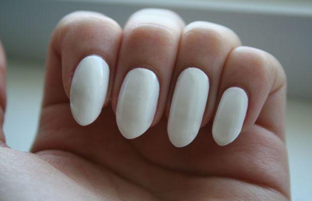 Floral nail art tutorial - step 1