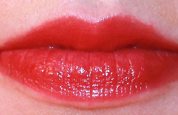 Revlon ColorBurst Lacquer Balm in Enticing
