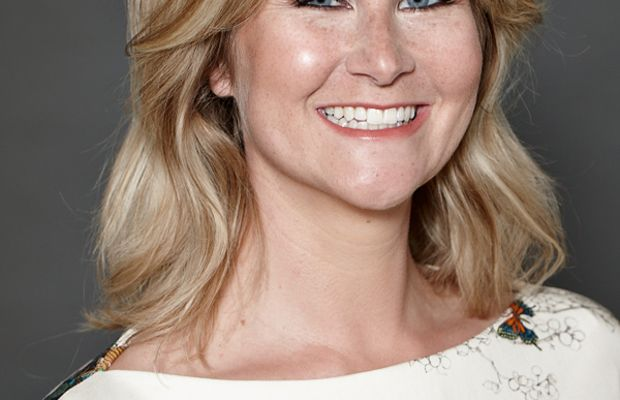 Crest makeover - Nicole close-up, look 3