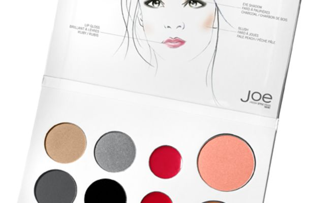 Joe-Fresh-5-Minute-Holiday-Face-Palette