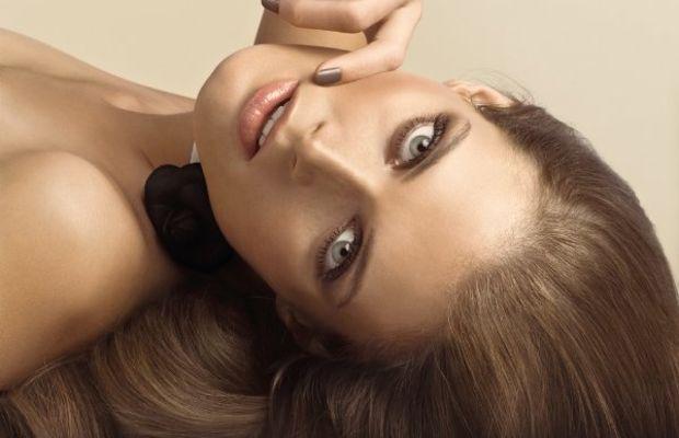 chanel-spring-2010-makeup-model