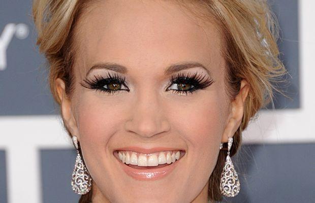 Grammy-Awards-2012-Carrie-Underwood