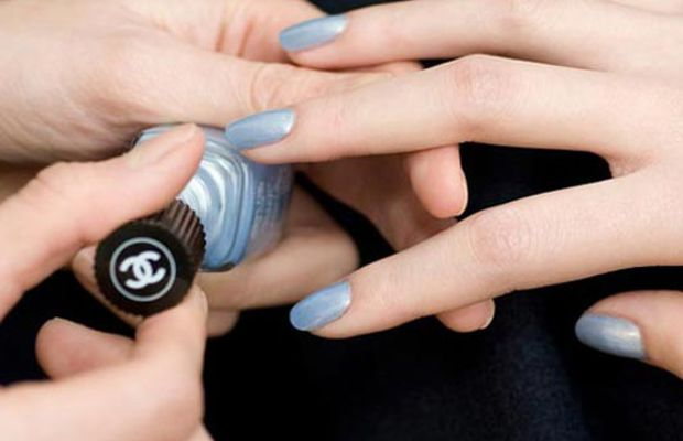 Chanel Couture FW 2012 nails - Silver
