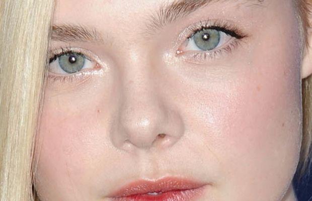Elle Fanning, Hollywood Foreign Press Association Grants Banquet, 2014 (5)