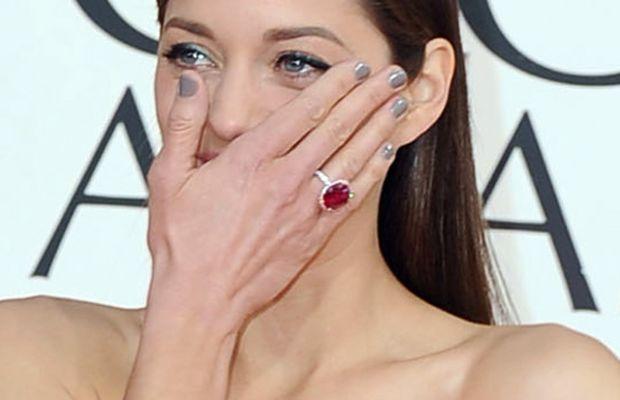 Marion Cotillard - Golden Globes 2013 nails