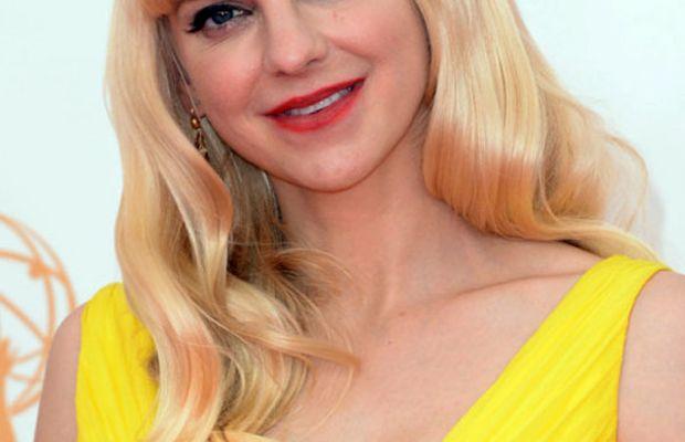 Anna Faris - Emmys 2013