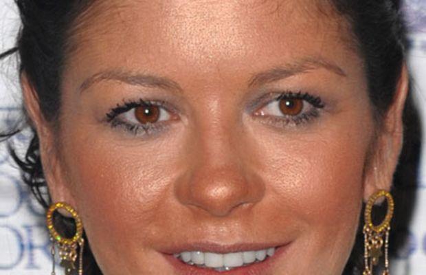 Catherine-Zeta-Jones-bad-bronzer