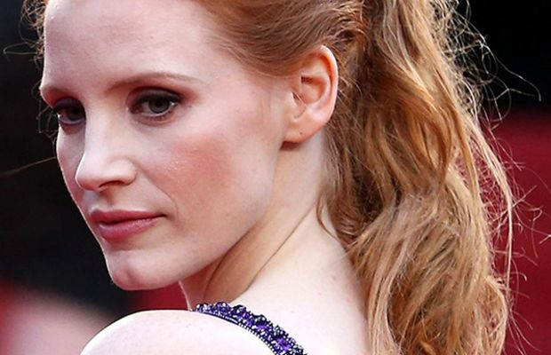 Jessica Chastain textured ponytail