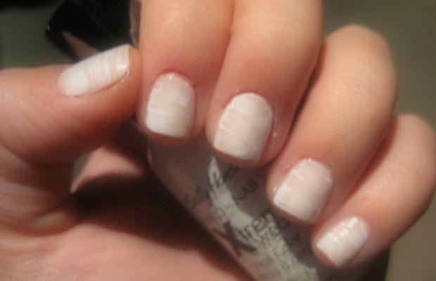 Mummy manicure - step 2