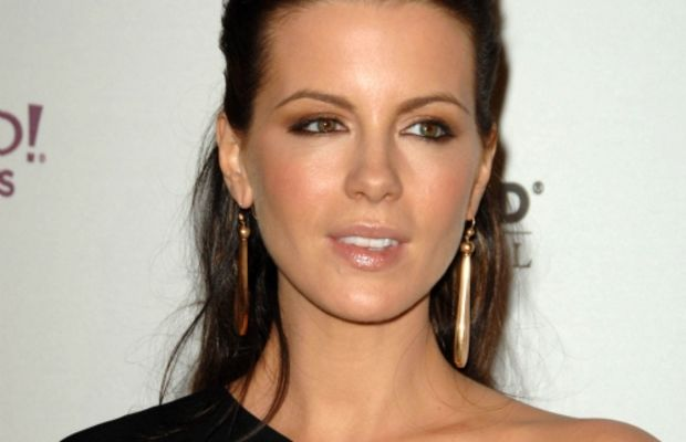 kate-beckinsale_hollywood-awards-gala