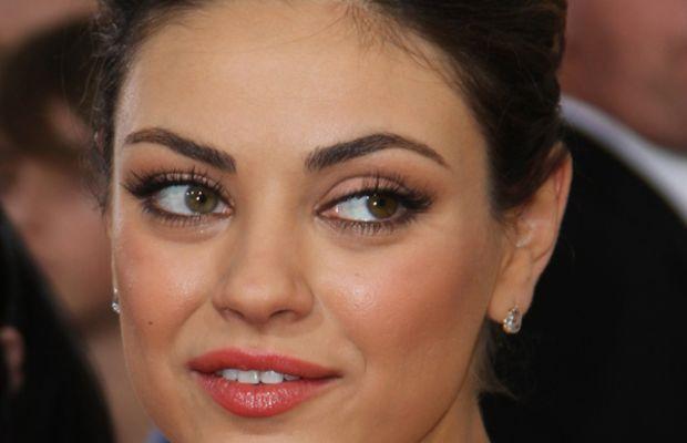 Mila-Kunis-Golden-Globes-2011