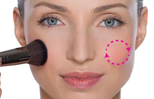 Make Up For Ever healthy glow blush application