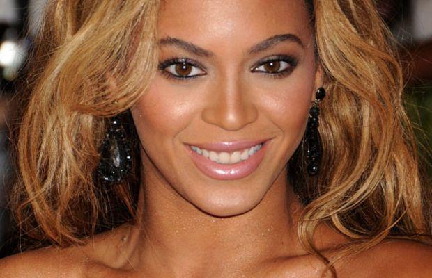 Beyonce - Met Ball 2013