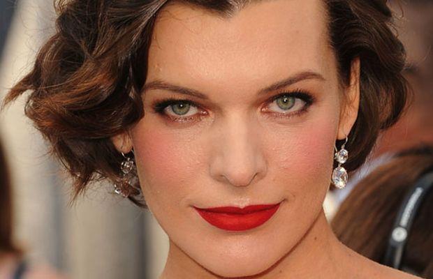 Oscars-2012-Milla-Jovovich