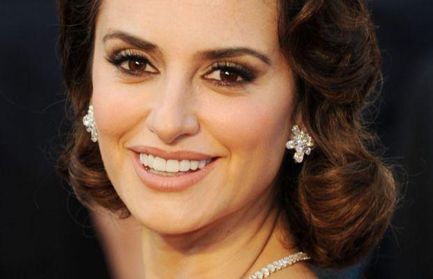 Oscars-2012-Penelope-Cruz
