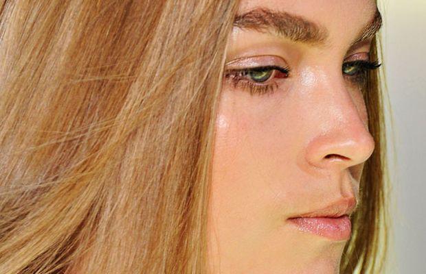 Versace-Spring-2012-beauty-3