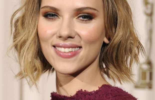 Scarlett-Johansson-2011-Oscars