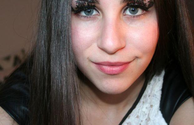 Paperself eyelashes on eyes (6)