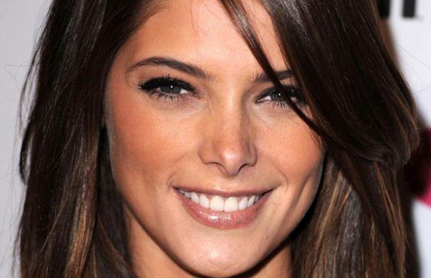 Ashley Greene diamond face bangs