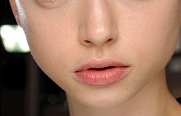 Giambattista Valli - Spring 2012 makeup
