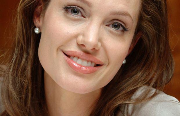 Angelina-Jolie-eyeliner