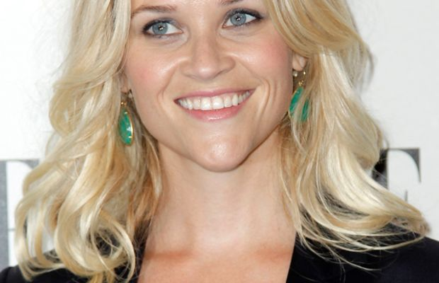 Reese-Witherspoon-ELLE-Women-in-Hollywood-Tribute-2011