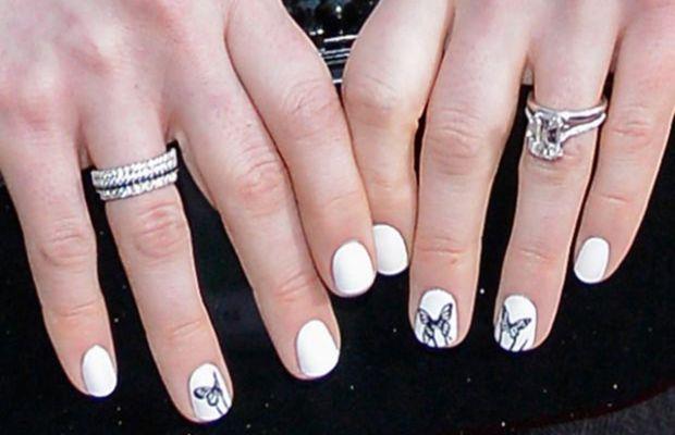Anne Hathaway - SAG Awards 2013 nails