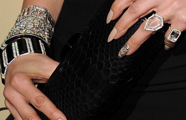 Jennifer Lopez - Golden Globes 2013 nails
